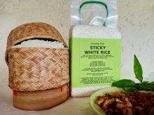 Thai Long-Grain Sticky White Rice in a vacuum pack of 1 kilogram
